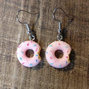 Roze donuts oorhangers